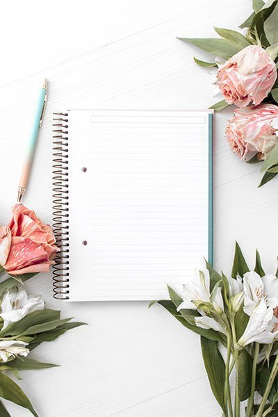 Blogging tricks and tips empty check list with flowers